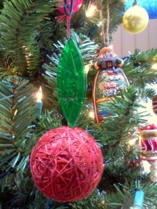 tatting shuttle ornament 8